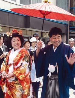 (Photo:花嫁行列は私たち以降ないみたいです。続いて誰かやってくれるといいですけど)